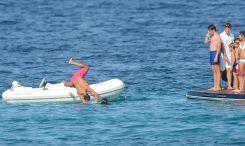 Rafael Nadal enjoys holiday with girfrliend Maria Francisca Perello (18)
