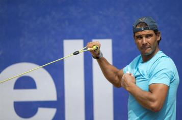 Rafael Nadal practices at the Barcelona Open 2015