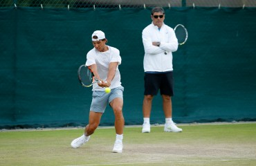 Tennis - Wimbledon Preview - All England Lawn Tennis & Croquet Club, Wimbledon, England - 28/6/15 Spain's Rafael Nadal and coach Toni Nadal during practice Action Images via Reuters / Andrew Couldridge Livepic EDITORIAL USE ONLY.