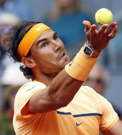 Rafa Nadal durante su partido ante el británico Andy Murray de semifinales del torneo de tenis de Madrid, que se disputa en la Caja Mágica. EFE/J.J. Guillen