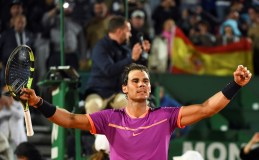 Rafael Nadal of Spain celebrates to the crowd after his straight set victory against Diego Schwartzman of Argentina in their quarter final round match on day six of the Monte Carlo Rolex Masters at Monte-Carlo Sporting Club on April 21, 2017 in Monte-Carlo, Monaco. (April 20, 2017 - Source: Clive Brunskill/Getty Images Europe)