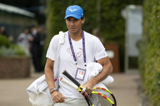 epa07674706 Rafael Nadal of Spain arrives for a training session at the All England Lawn Tennis Championships in Wimbledon, London, Britain, 26 June 2019. The Wimbledon Tennis Championships 2019 will be held in London from 01 July to 14 July 2019. EPA-EFE/PETER KLAUNZER EDITORIAL USE ONLY; NO SALES, NO ARCHIVES