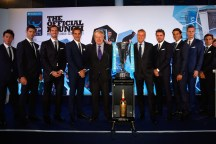 Kei Nishikori of Japan, Novak Djokovic of Serbia, Andy Murray of Great Britain, Roger Federer of Switzerland, Major of London Boris Johnson, ATP Executive Chairman and President Chris Kermode, Stan Wawrinka of Switzerland, Rafael Nadal of Spain, Tomas Berdych of Czech Republic and David Ferrer of Spain pose for a group photo during the Barclays ATP World Tour Finals Draw at City Hall on November 12, 2015 in London, England. (Nov. 11, 2015 - Source: Julian Finney/Getty Images Europe)