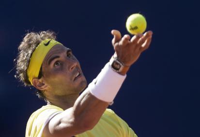 Rafael Nadal of Spain serves during a match against Paolo Lorenzi of Italy at the ATP Argentina Open in Buenos Aires, Argentina., Friday, Feb. 12, 2016. (AP Photo/Ivan Fernandez)