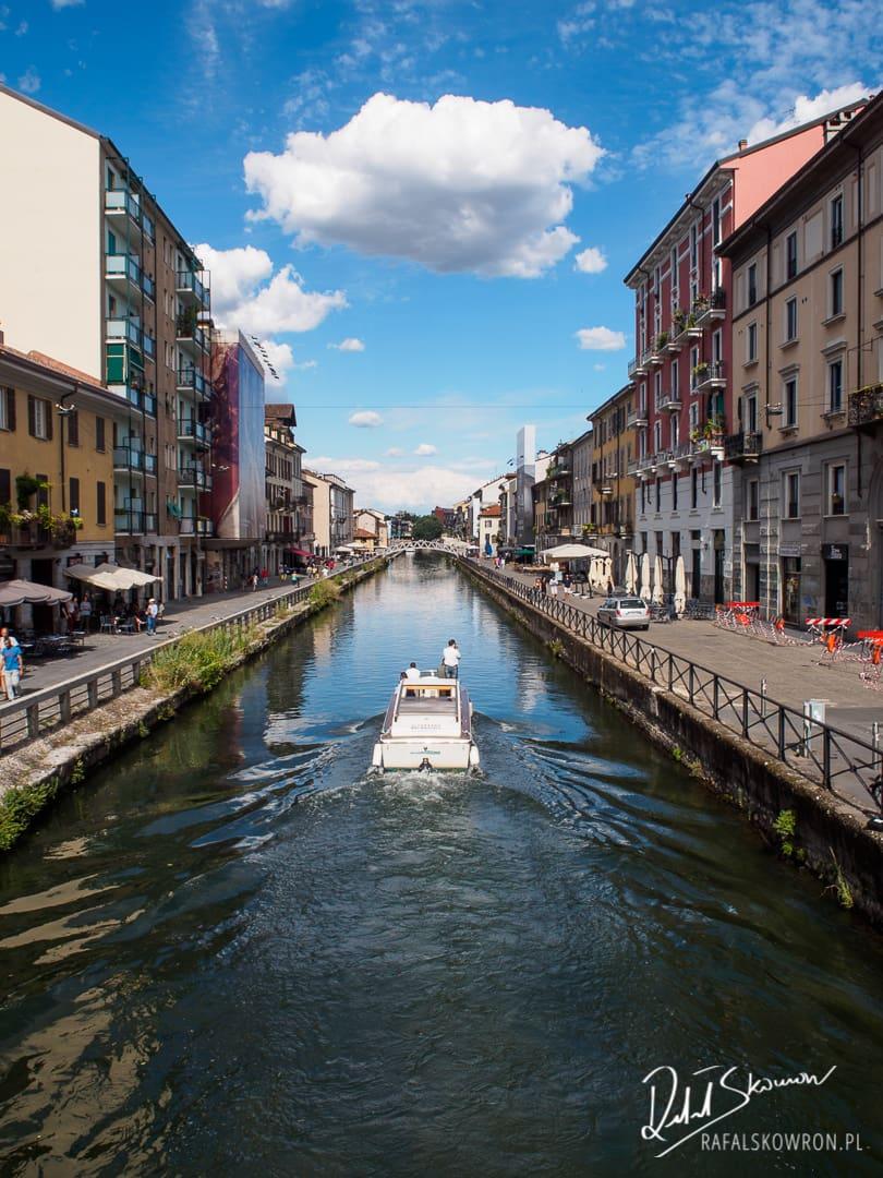 Mediolan kanał 'navigli grande'