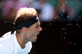 rafa-nadal-in-action-against-sascha-zverev-in-australian-open-r3-2017-7