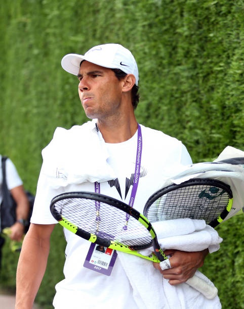 spains-rafael-nadal-arrives-for-a-training-session-on-day-seven-of-picture-id811204258