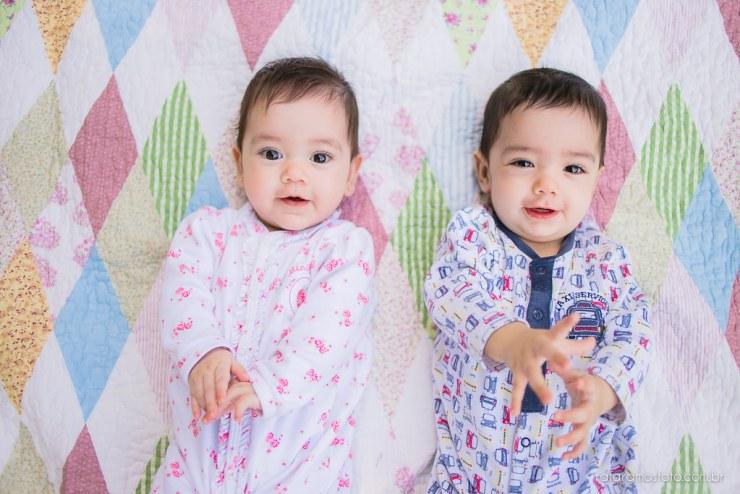Acompanhamento infantil gêmeos, ensaio de bebes gêmeos no parque ensaio de familia no parque acompanhemento infantil bebe 6 meses 00011