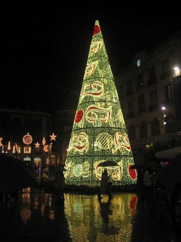Addobbi natalizi in Plaza de la Constitucion