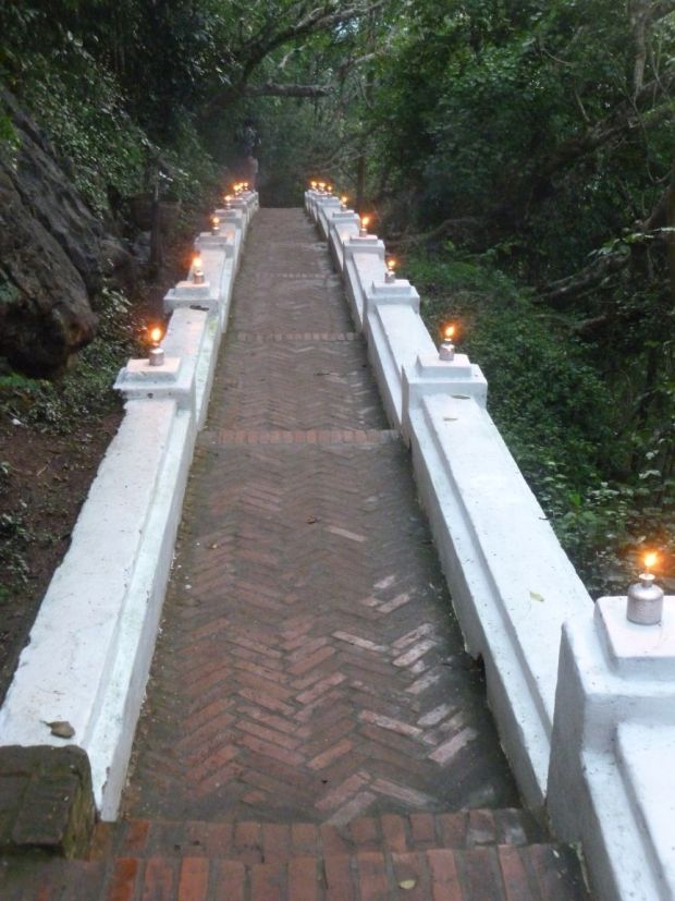 Cosa fare a Luang Praang: la salita al Mount Phousi