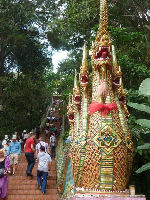 La salita al tempio Doi Suthep a Chiang Mai