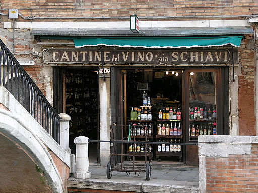 Dove mangiare a Venezia:Il Cantinone By Tim Sackton [1] (https://www.flickr.com/photos/sackton/6709480031) [CC BY-SA 2.0 (https://creativecommons.org/licenses/by-sa/2.0)], via Wikimedia Commons