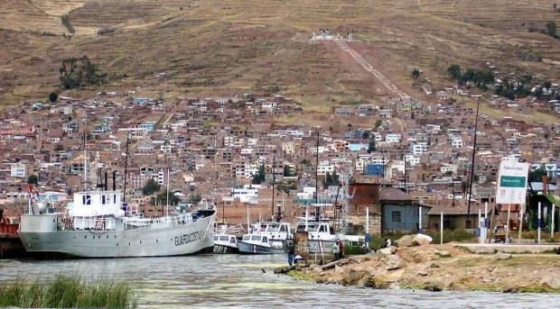 Il porto di Puno