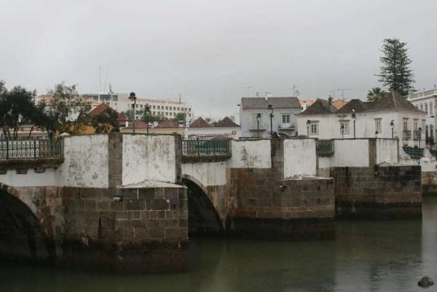 Cosa vedere in Algarve: ponte di Tavira