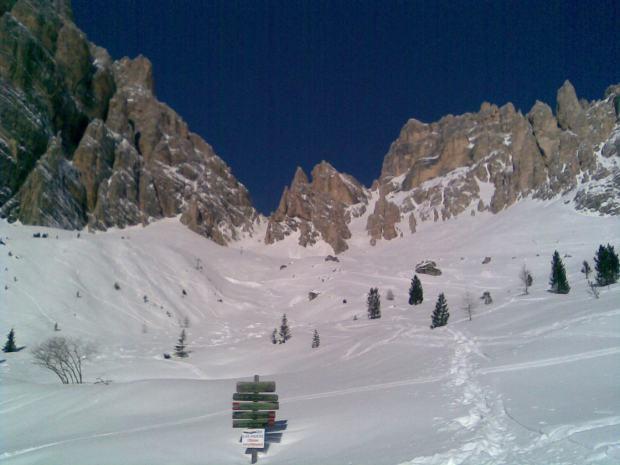 Escursioni con le ciaspole da Cortina: sentiero in quota