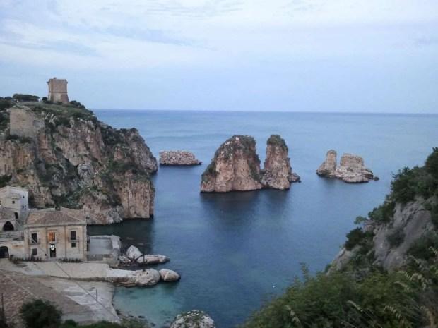 Tour della Sicilia: la tonnara di Scopello e i suoi faraglioni