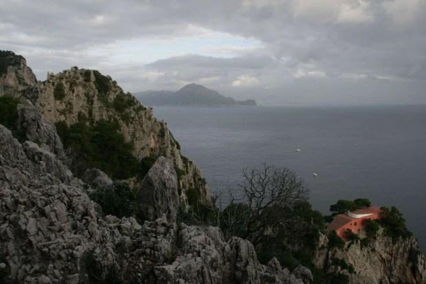 Villa Malaparte vista dal Sentiero del Pizzolungo