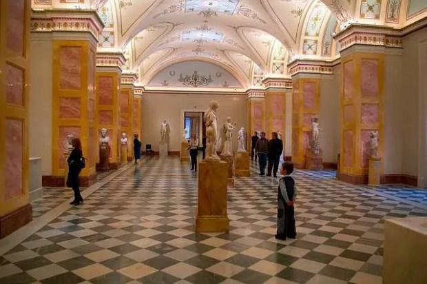 Uno dei musei d'arte europei più importanti: l'Hermitage a San Pietroburgo