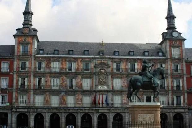 Visitare Madrid partendo da Plaza Mayor