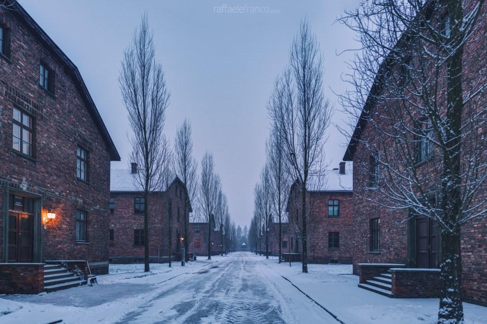 """Le """"barracks"""" (o Blocks) di Auschwitz"""