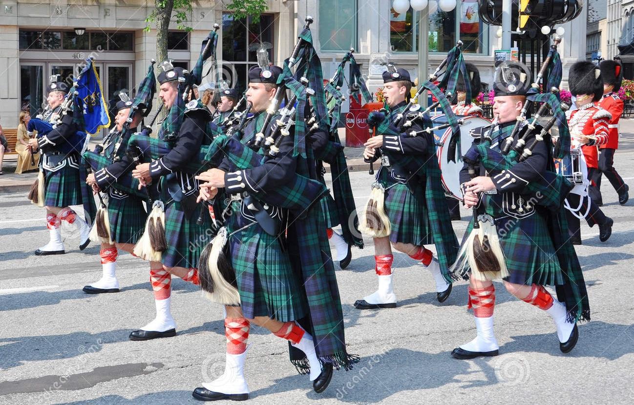 Pipers scozzesi… cresce l'eccitazione