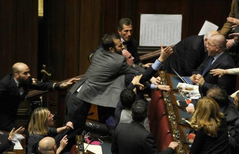 Le donne pi belle della politica italiana infosannio for Camera deputati