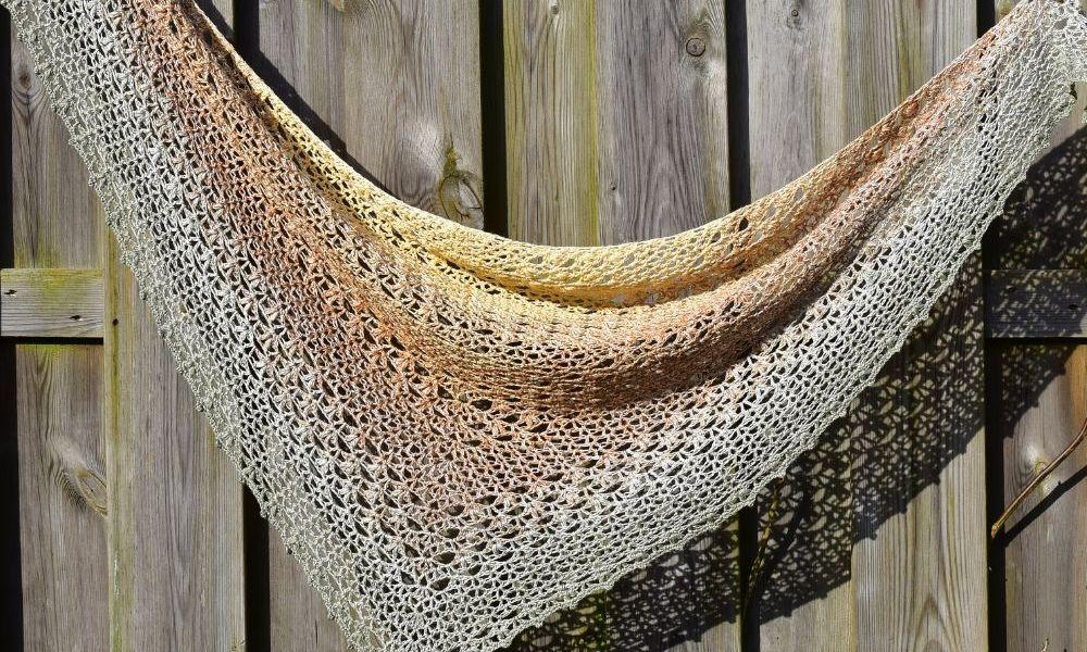Proserpina V-Stitch Crochet Shawl by Raffaella @ Raffamusa Designs