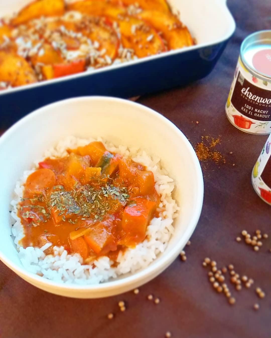 Curry mit Kürbis und Tomaten