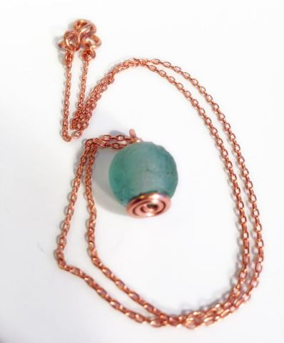 green-trade-glass-necklace-1