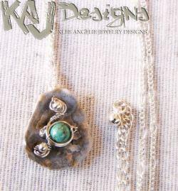 happy-clam-necklace