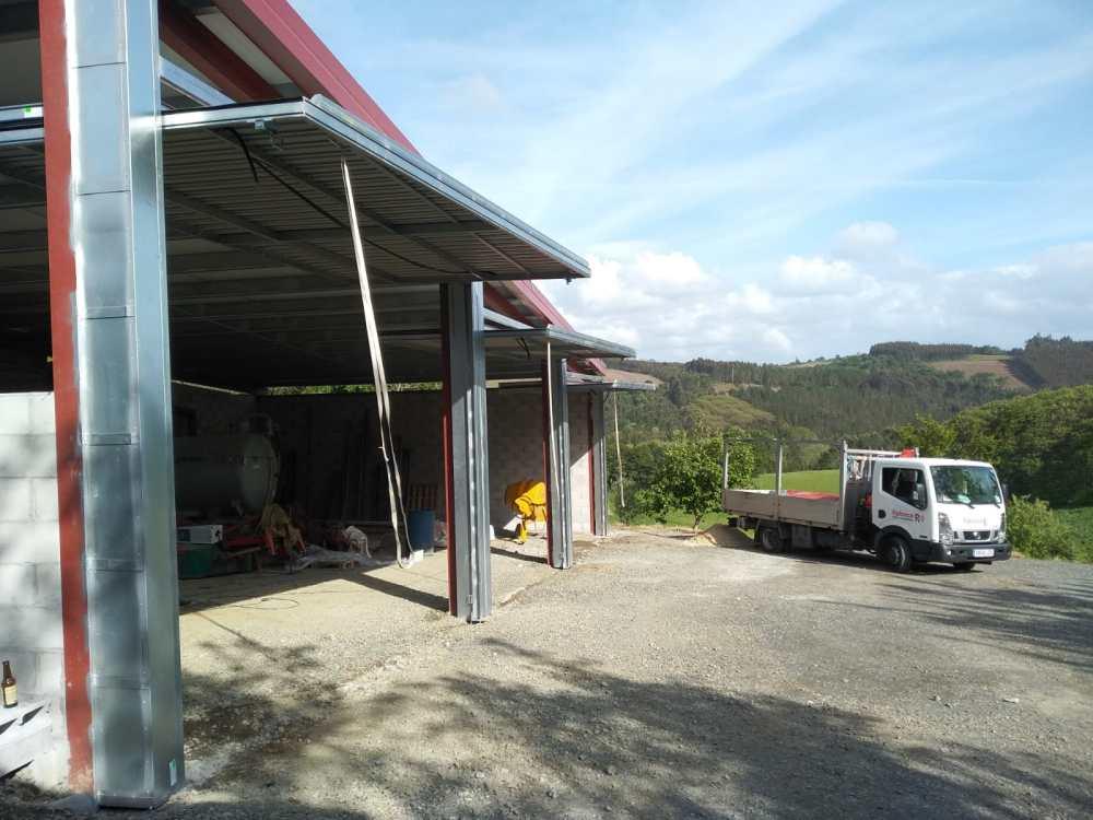Instalación en Arzúa de portales contrapesados Novoferm CP-10 5