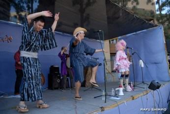 New York-based HappyFunSmile performed its blend of enka, minyo and Okinawan pop to kick off the Bon Odori. (MIKEY HIRANO CULROSS/Rafu Shimpo)
