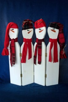 Wintry carrot-nosed snowmen add a holiday touch to any décor.