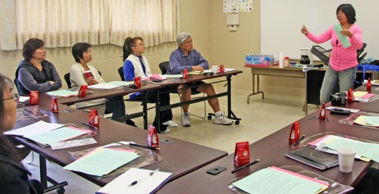 """JA Living Legacy's Sue Uyemura conducts oral history training for the """"Keepers of the Flame"""" project."""