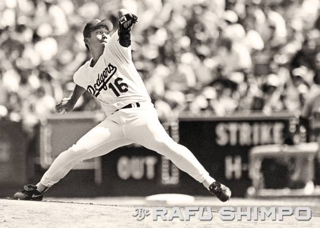 """At the the center of """"Nomomania,"""" the quiet pitcher from Japan confounded hitters with his unorthodox delivery and an arsenal of pitches that included the wobbling, diving forkball. (MARIO G. REYES/Rafu Shimpo)"""