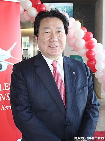 ロサンゼルス国際空港(LAX)で行われたLA―大阪便の就航セレモニーに出席したJAL代表取締役社長植木義晴氏