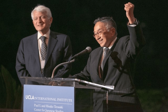 UCLA Chancellor Gene Block (left) and Professor Emeritus Paul I. Terasaki at the 20th anniversary celebration of the UCLA Terasaki Center for Japanese Studies in 2012. (Photo by Reed Hutchinson/UCLA)