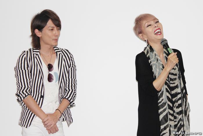 日本映画祭の舞台あいさつにのぞんだ研ナオコさん(右)と青木隆治さん