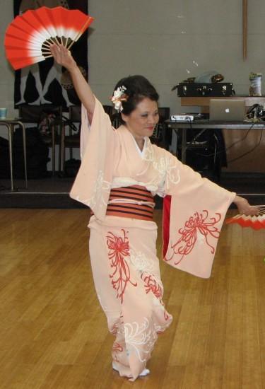 "Dancer Nancy Teramura Hayata will perform to Hiroshima's ""Thousand Cranes."" (J.K. YAMAMOTO/Rafu Shimpo)"