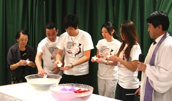 A candlelighting ceremony was led by Rev. Ruy Mizuki.