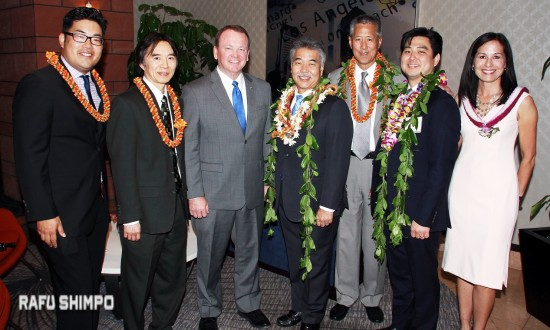 From left: Mark Furuya, JABA president-elect; Kenneth Tanaka, immediate past president; honoree Sheriff Jim McDonnell; Hawaii Gov. David Ige, keynote speaker; honoree Hoyt Zia; Mark Arimoto of Hawaiian Airlines; JABA President Sabina Helton.