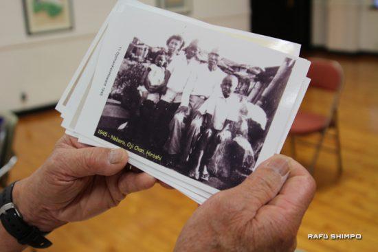 原爆投下から数カ月後の写真。一番右がハワード蠣田さん、その左となりが祖父、そして兄のケニーさん。原爆の影響で髪の毛がなくなってしまった。