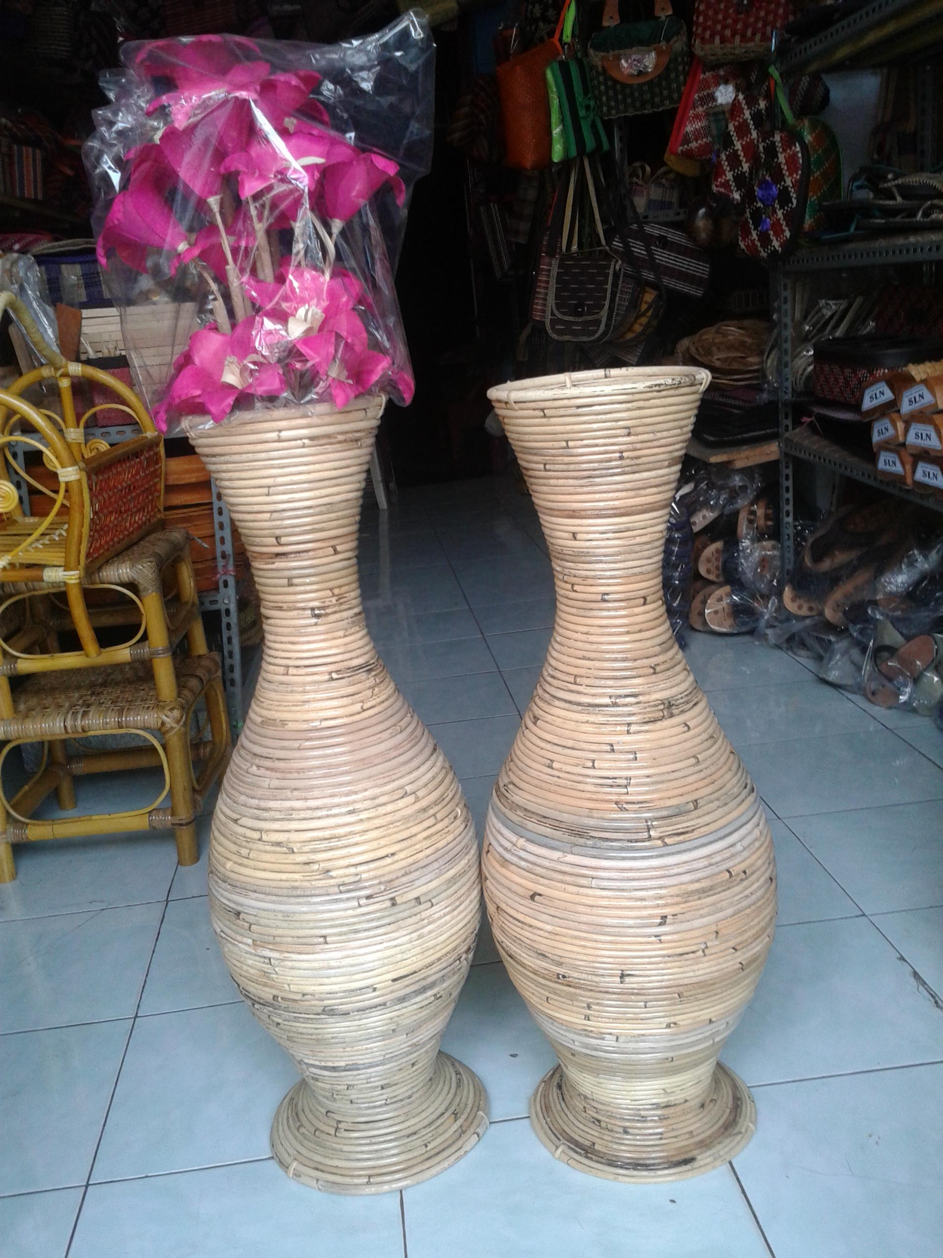 Cara Membuat Vas Bunga Dari Pelepah Pisang : membuat, bunga, pelepah, pisang, Bunga, Rotan, Besar, Kerajinan, Rajapolah