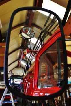 bedford-j2-ladderwagen-in-spiegel