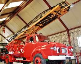 bedford-j2-ladderwagen-ladder-constructie