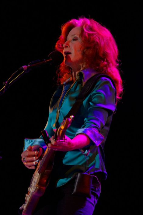 Bonnie-Raitt_Tucson_9840-(photo-by-C.-Elliott)_preview