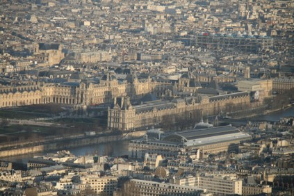 Le Louvre, sa pyramide et le Centre Pompidou