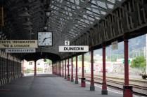 Les quais de la gare de Dunedin