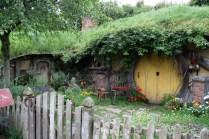 Au fond d'un trou vivait un hobbit.