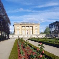 Vue sur le Petit Trianon depuis le jardin français, Versailles